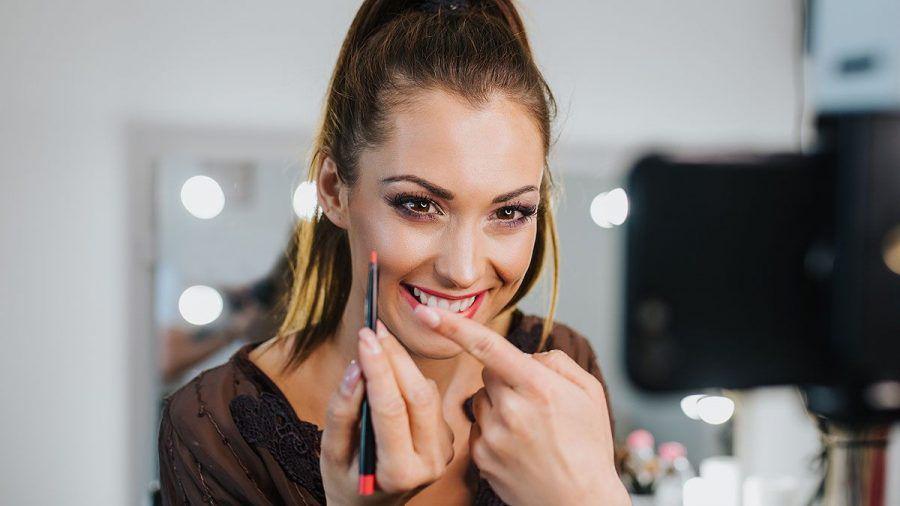 """Wenn """"Skinfluencer"""" Hauttipps geben: Was wissen die wirklich?"""