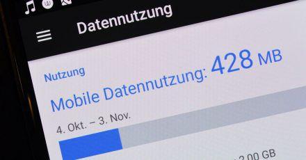 Verbraucherschützer beklagen hohe Preise für mobiles Internet in Deutschland.