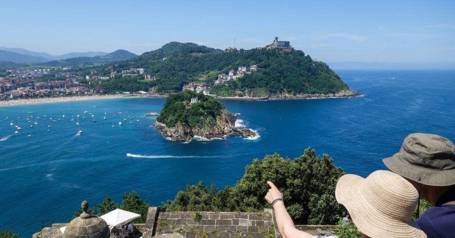 Einen traumhaften Blick auf die Muschelbucht von San Sebastián bietet der Hügel Urgull.