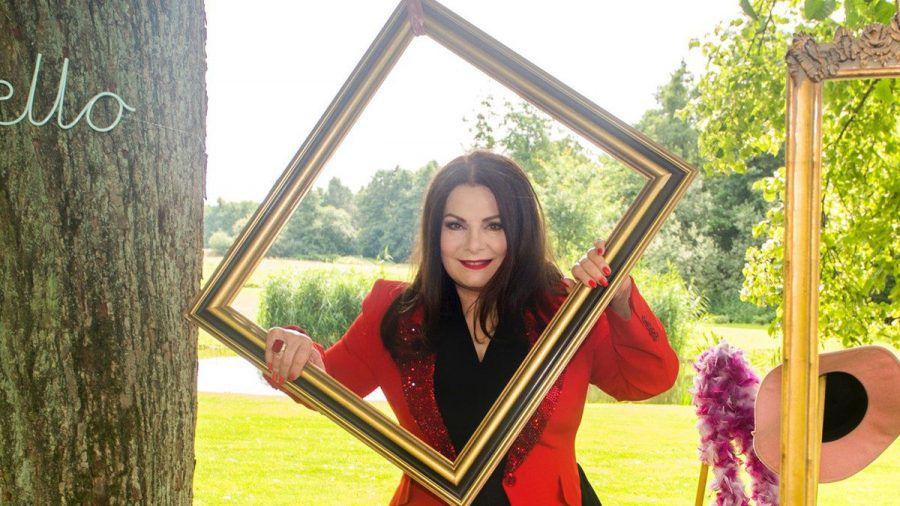 """Marianne Rosenberg tritt in Folge 3434 von """"Rote Rosen"""" auf. (wue/spot)"""