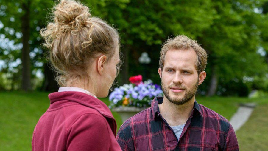"""""""Sturm der Liebe"""": Florian kann seine Gefühle für Maja nur schwer verbergen. (cg/spot)"""