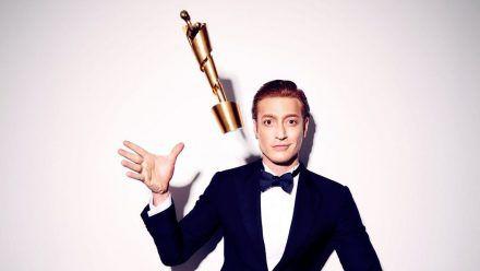 Daniel Donskoy ist Gastgeber der 71. Verleihung des Deutschen Filmpreises. (wue/spot)