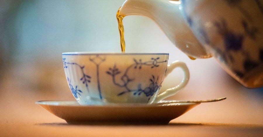 Mit einem Pro-Kopf-Verbrauch von 300 Litern pro Jahr haben die Ostfriesen den Weltrekord in Teetrinken beurkundet bekommen.
