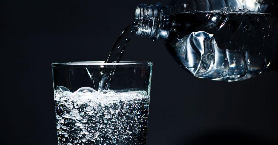 Sprudelwasser kann nicht nur Durst löschen, auch beim Backen und Kochen kann es zum Einsatz kommen.