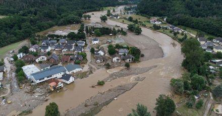Mindestens 180 Menschen kamen bei der Hochwasserkatastrophe im Juli ums Leben.