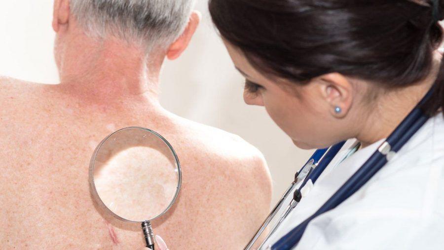 Bei Verdacht auf Gürtelrose sollte man schnellstmöglich einen Arzt aufsuchen. (eee/spot)