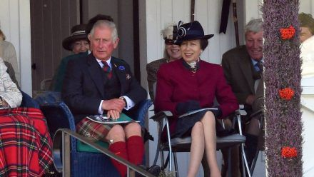 Prinz Charles und Prinzessin Anne bei einem gemeinsamen Auftritt. (hub/spot)
