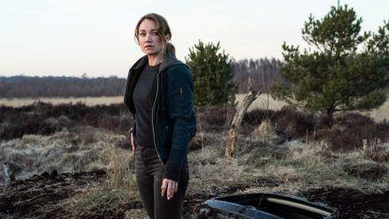 """Sarah Kohr: Teufelsmoor"": Sarah Kohr (Lisa Maria Potthoff) ist einer linksradikalen revolutionären Zelle auf der Spur. (cg/spot)"
