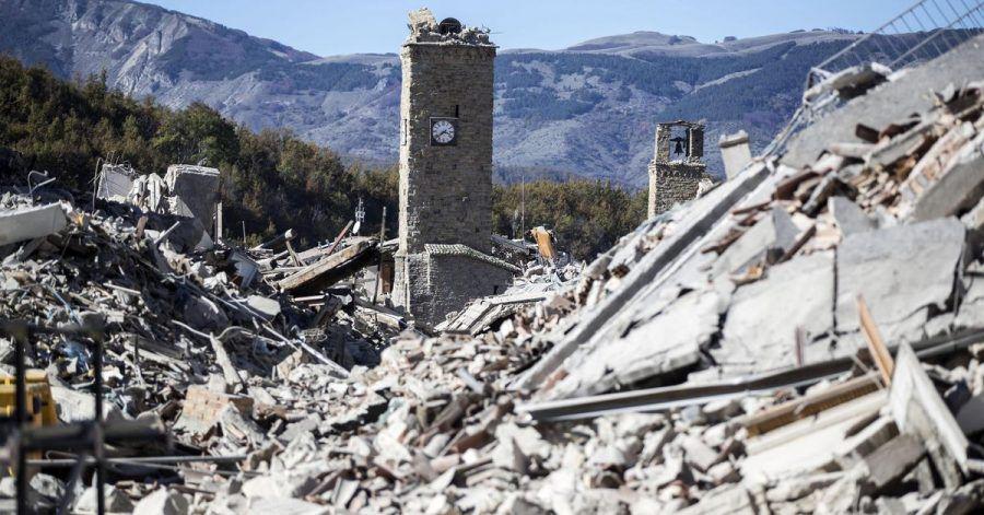Fünf Jahre nach dem verheerenden Erdbeben in Mittelitalien gedenken Politiker und Vertreter aus Kirche und Gesellschaft in Amatrice der Katastrophe von 2016.