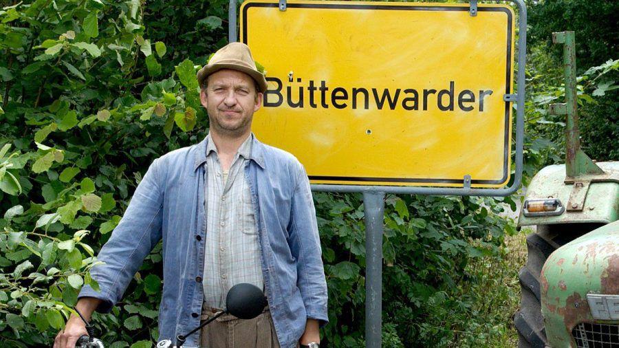 "Peter Heinrich Brix als Bauer Arthur ""Adsche"" Tönnsen. (stk/spot)"