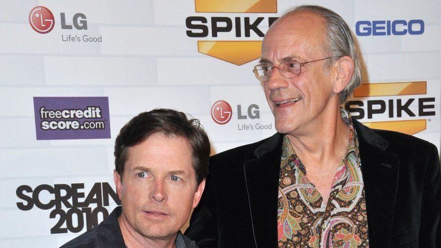 """Michael J. Fox (l.) und Christopher Lloyd spielten Marty McFly und """"Doc"""" Brown in den """"Zurück in die Zukunft""""-Filmen. (tae/spot)"""