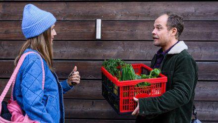 """""""Nestwochen"""": Seitdem Julia (Bettina Lamprecht) und Robert (Matthias Koeberlin) nach dem """"Nesting""""-Prinzip leben, gleicht keine Woche der anderen. (cg/spot)"""