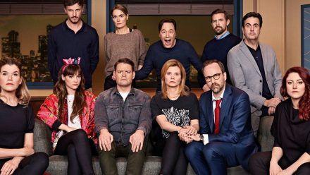 """Unter anderem Bastian Pastewka und Klaas Heufer-Umlauf stellen sich in der zweiten Staffel dem Wahnsinn von """"LOL: Last One Laughing"""". (wue/spot)"""