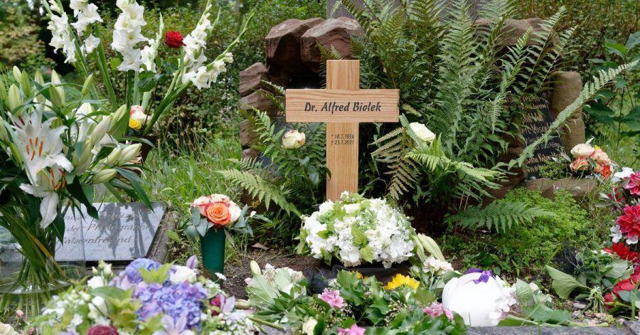 Die Beisetzung fand im kleinen Kreis statt.