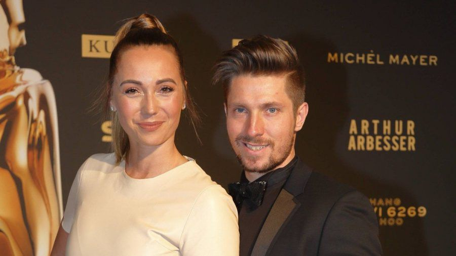Marcel Hirscher und seine Ehefrau bei einem gemeinsamen Auftritt. (hub/spot)