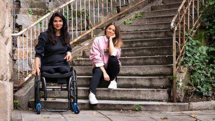 Hülya Marquardt (li.) und Vanessa Mai in Stuttgart (obr/spot)