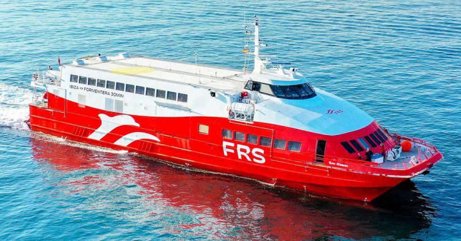 Eine Katamaran-Schnellfähre der deutschen Reederei FRS (Archivbild) .
