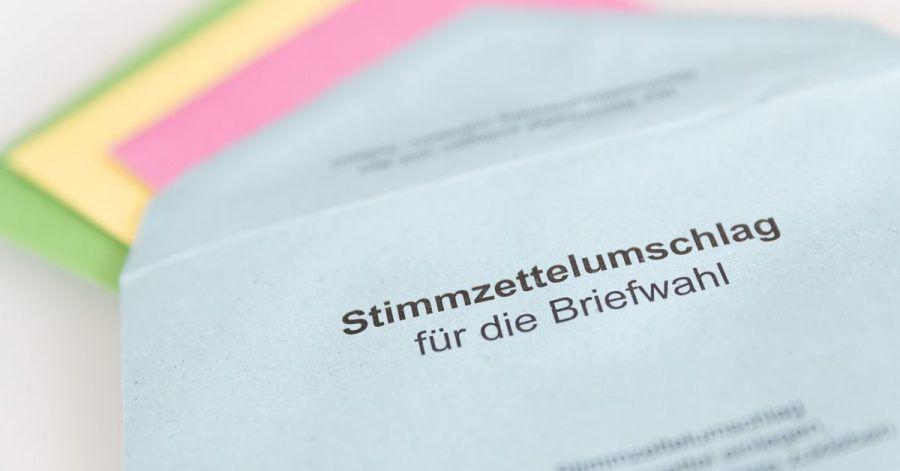 Wahlscheine, farbige Umschläge und Unterschriften:Damit nichts schiefläuft, enthalten die Briefwahl-Unterlagen auch ein verständliches Infoblatt.