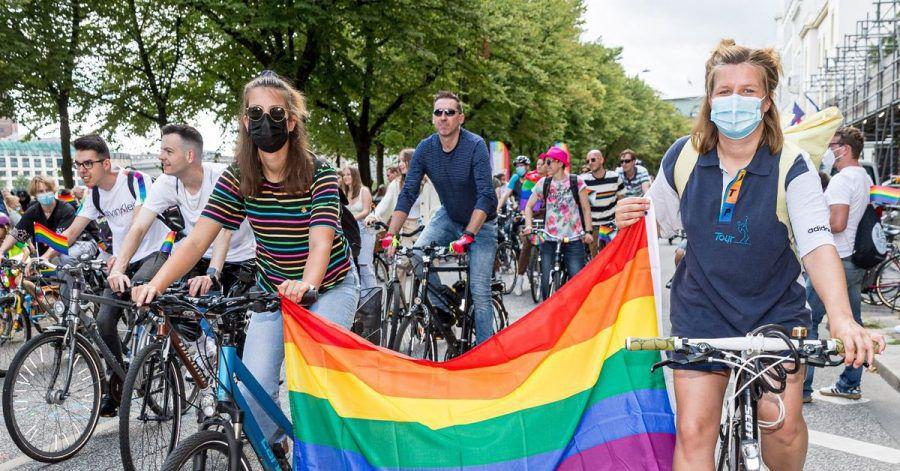 Der diesjährige CSD - einmal mehr auf dem Fahrrad - stand unter demMotto: «Keep on fighting. Together».