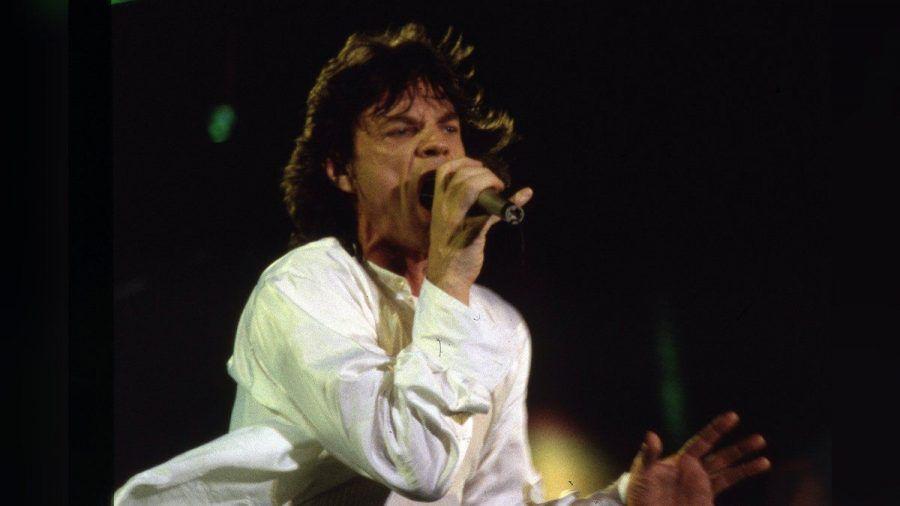 Mick Jagger in den Neunzigern auf der Bühne (mia/spot)
