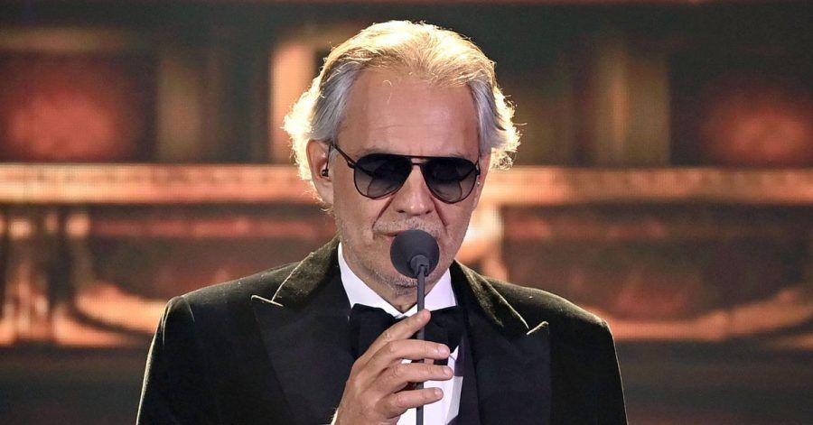 Andrea Bocelli sucht direkten Kontakt.