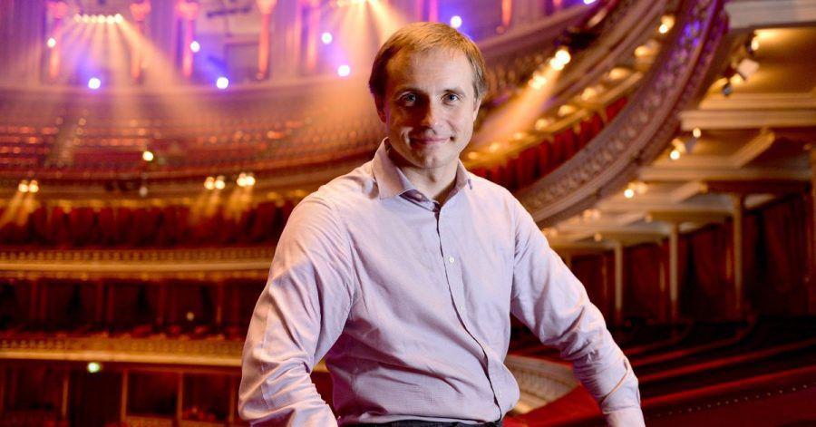 Vor seinem ersten Auftritt mit dem Royal Philharmonic Orchestra fordert Dirigent Wassili Petrenko ein Ende des Brexit-Streits um Visa für Künstler.