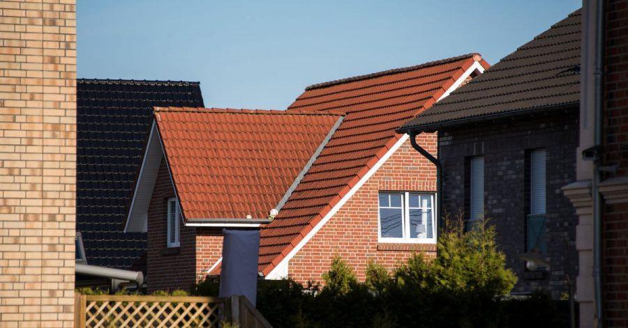 Der Preisanstieg bei Eigenheimen scheint vorerst gebrochen, dafür ziehen die Mieten wieder an.