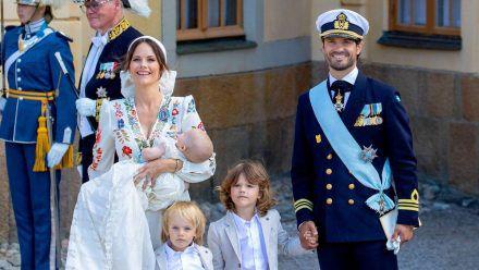 Prinz Carl Philip und Prinzessin Sofia von Schweden mit Prinz Julian, Prinz Gabriel und Prinz Alexander. (wue/spot)