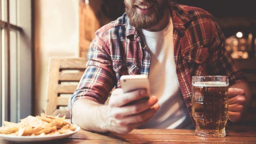 """Mit Apps wie """"Beer Tasting"""" können sich Biertrinker detailreich über ihr Getränk informieren. (elm/spot)"""