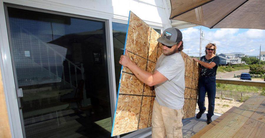 Vorbereitung auf Hurrikan «Henri» in Charlestown: Der US-Wetterdienst hat den auf den Nordosten der USA zielenden Tropensturm «Henri» zu einem Hurrikan hochgestuft.