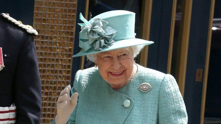 Queen Elizabeth II. sucht unter anderem einen neuen Security-Mitarbeiter. (wue/spot)