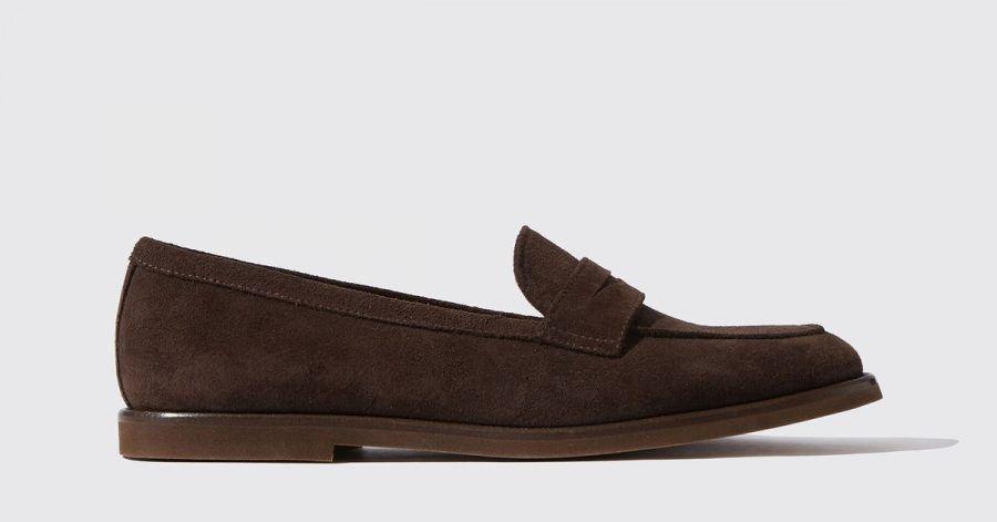 Schick und zugleich lässig sind die weiterhin angesagten klassischen Loafer. Hier ein Beispiel von Scarosso (205 Euro).