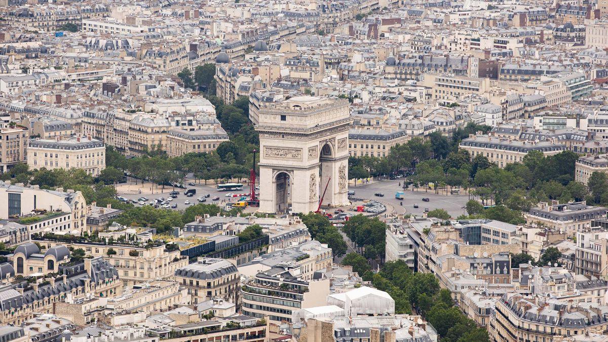 Spätes Christo-Projekt: Der Arc de Triomphe wird jetzt verhüllt