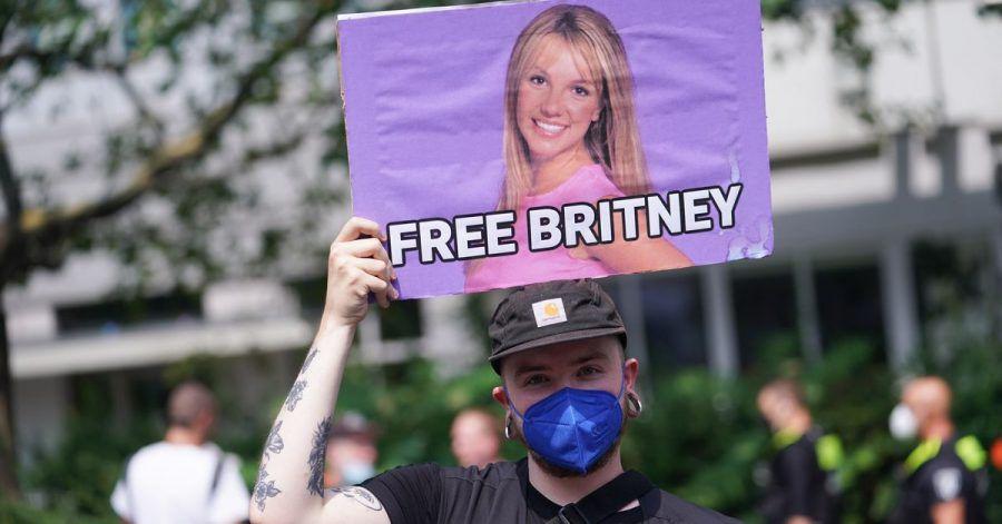 Ein Fan von Britney Spears beim Christopher Street Day im Juli in Berlin.