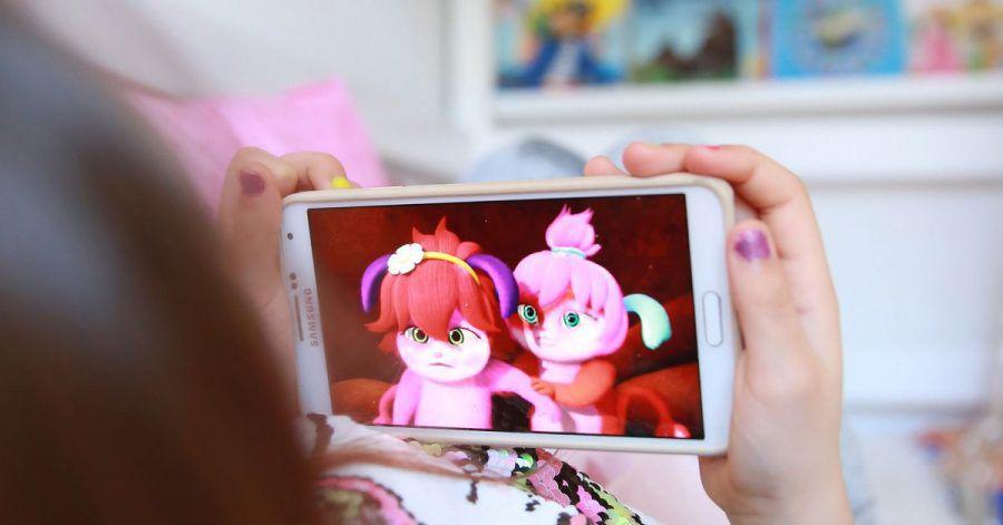 Google will einige Neuerungen für mehr Jugendschutz einführen. YouTube etwa deaktiviert für unter 18-Jährige die automatische Wiedergabe und schaltet zugleich Pausen- und Schlafenszeiterinnerungen ein