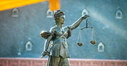 Das Urteil ist eindeutig: Wer einen Mangel in der Wohnung nicht meldet, muss mit den Folgen im Zweifel selbst klarkommen.