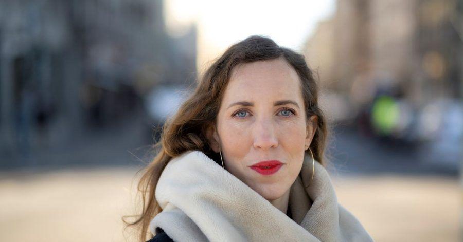 Die Journalistin Alice Bota erzählt von Mut und Kraft der Frauen in Belarus.