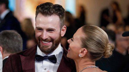 Chris Evans und Scarlett Johansson bei den Golden Globes 2020. (smi/spot)