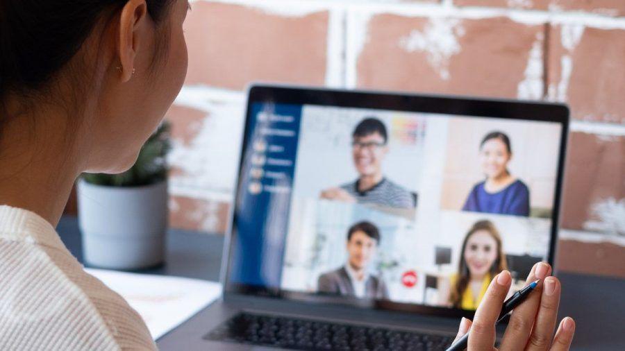 Video-Meetings sind seit Beginn der Corona-Pandemie noch verbreiteter als zuvor. (wue/spot)