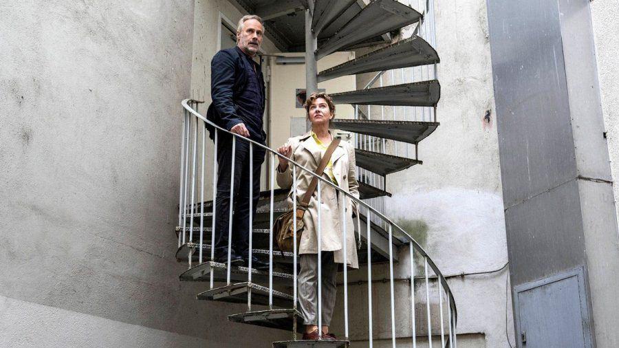 """Die Frankfurter-Ermittler Paul Brix (Wolfram Koch) und Anna Janneke (Margarita Broich) im ersten """"Tatort"""" der neuen Saison """"Wer zögert, ist tot"""". (dr/spot)"""