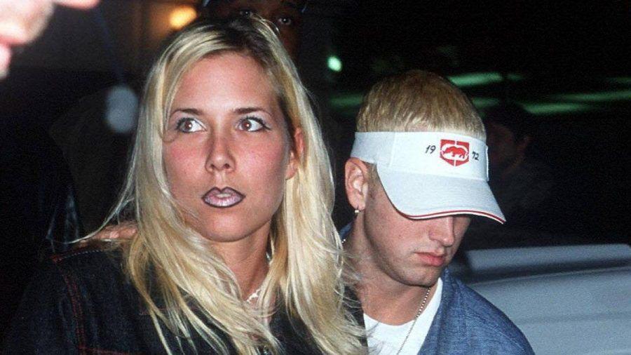Eminem und seine Ex-Frau Kim im Jahr 2000. (wue/spot)