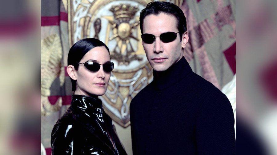 """Kennen sich im neuen Teil nicht mehr: Carrie-Anne Moss und Keanu Reeves als Trinity und Neo in """"Matrix"""" (mia/spot)"""