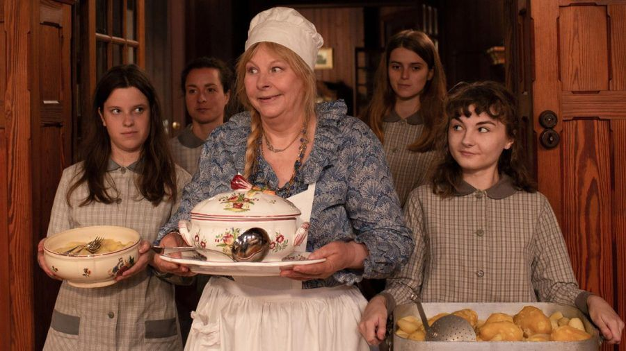 "Filmkritik ""Die perfekte Ehefrau"": Komödie mit Juliette Binoche"