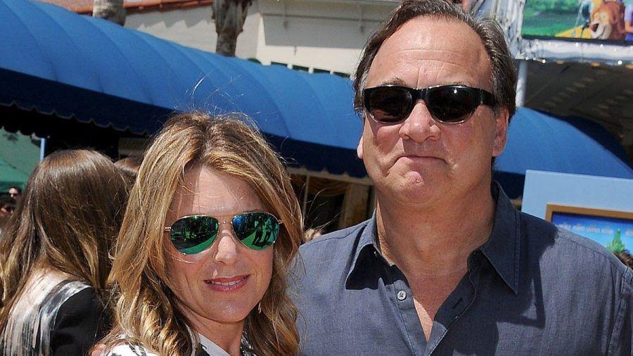James und Jennifer Belushi bei einer Filmpremiere in Los Angeles.  (dr/spot)
