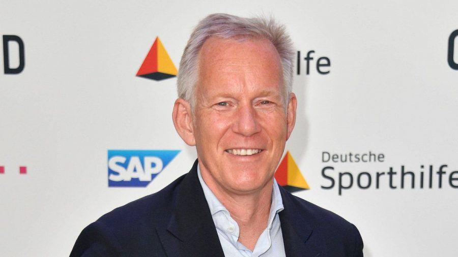 Johannes B. Kerner bei einem Auftritt in Berlin. (hub/spot)