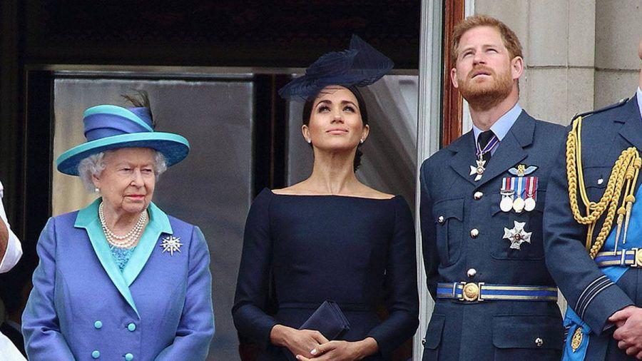 Die Queen mit Herzogin Meghan und Prinz Harry auf dem Balkon des Buckingham Palasts. (hub/spot)