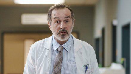 Merab Ninidze als Doktor Ballouz. (smi/spot)
