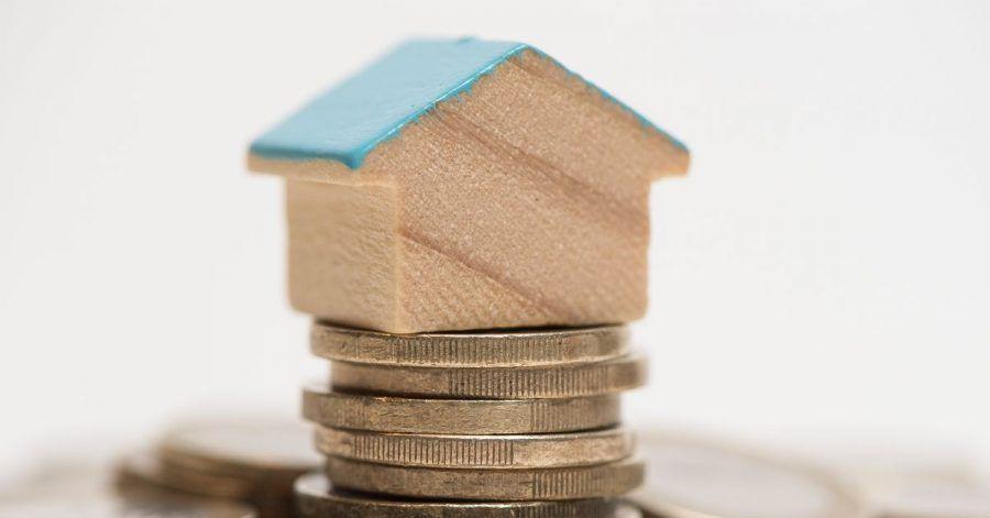 Steigen die Zinsen irgendwann wieder? Eigentümer können ihre Finanzierung mit einem Forward-Darlehen gegen dieses Risiko absichern.