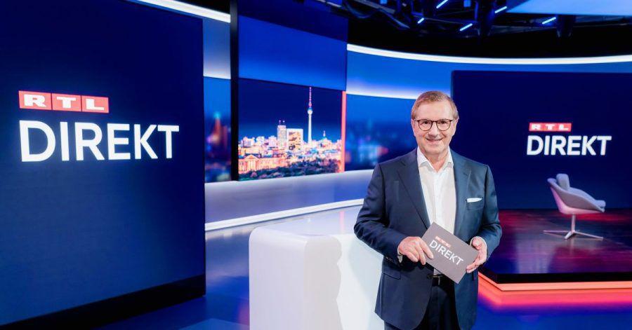 Moderator Jan Hofer steht im Studio der Nachrichtensendung «RTL Direkt».