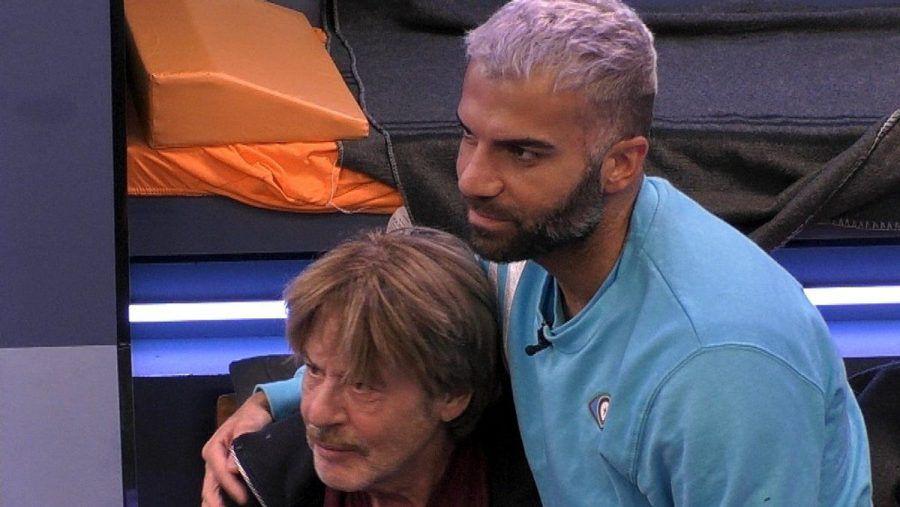 "Rafi Rachek tröstet Jörg Draeger bei ""Promi Big Brother"", (wue/spot)"